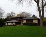 18040 W Crab Tree Ln, New Berlin image