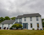 W195S7761 Ancient Oaks Dr, Muskego image