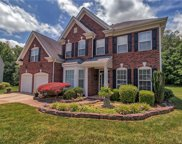 6713 Olde Sycamore  Drive, Mint Hill image