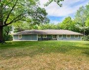 26320 Oak Ridge Circle, Shorewood image