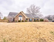 584 Wincreek, Collierville image