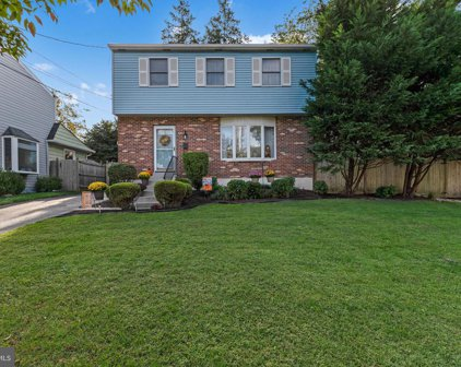 212 W Rodgers St, Ridley Park