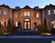 375 Mill River Rd, Muttontown image