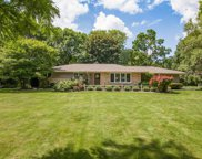 18415 Countryside Ct, Brookfield image
