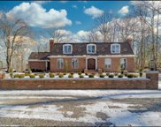 32 Mountain Brook  Road, North Haven image