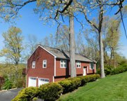 22 Mountain View  Drive, Brookfield image