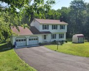 15 Thornhill  Drive, Pleasant Valley image