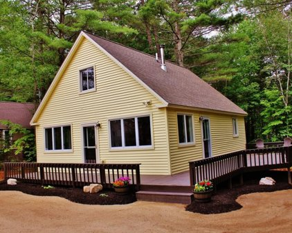 687 Pequawket Drive, Conway