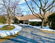 3690 Mary Cliff Ln, Brookfield image