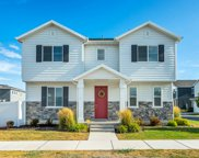 1752 W Parkview Dr, Syracuse image