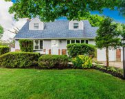 10 Terry  Lane, Commack image
