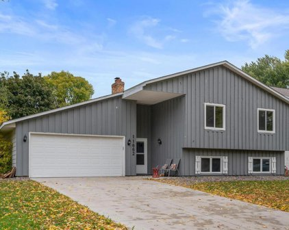 11662 99th Place N, Maple Grove