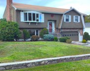25 Country Club Road, Stoneham image