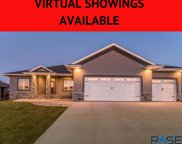 8804 W Lakeside Dr, Sioux Falls image