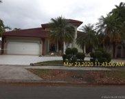 8271 Nw 167th Ter, Miami Lakes image
