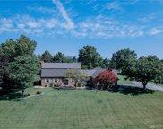 822 Oneida Drive, Springfield Township image