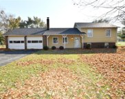 21 Woodhill  Drive, Indianapolis image