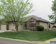 2749 Worcester Pl, Sioux Falls image
