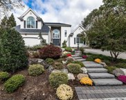 11 Hunting Hollow Ct, Dix Hills image