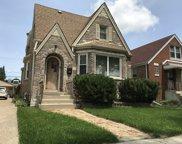 5930 W Cornelia Avenue, Chicago image