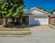 9409 Goldenview Drive, Fort Worth image