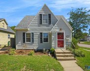 300 N Highland Ave, Sioux Falls image