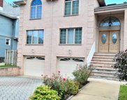 1054 Anderson Avenue, Fort Lee image