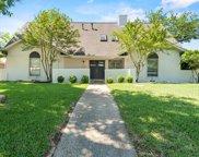 9505 Meadowknoll Drive, Dallas image