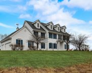 1577 Fox Hollow Ln, Cedarburg image