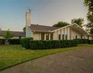 6908 Heatherknoll Drive, Dallas image