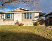 1019 Canfield Crescent Southwest, Calgary image