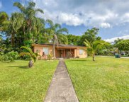 6890 Sw 52nd St, Miami image