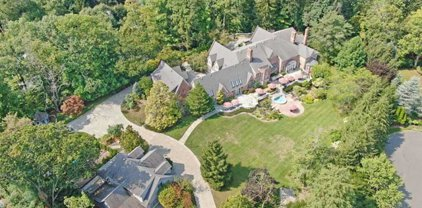 1055 High Mountain Road, Franklin Lakes