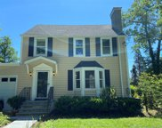 186 Clarence  Road, Scarsdale image