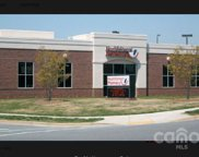 108 Leaning Oak  Drive, Mooresville image