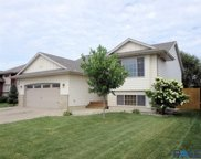 2212 S Ollerich Ave, Sioux Falls image