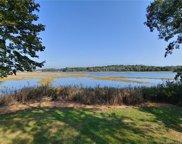 44 Ettadore  Park, Milford image