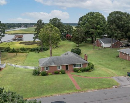 205 Red Point Drive, Smithfield