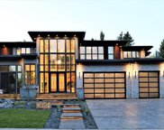 1028 Bel-Aire Drive Sw, Calgary image