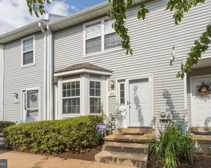 356 Huntington Ct, West Chester