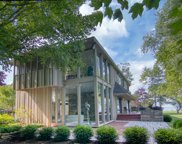 10804 N Lake View Rd, Mequon image