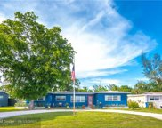 521 NW 39th St, Oakland Park image