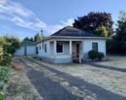 101 D  ST, Creswell image
