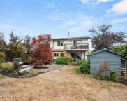 2822 Rockwell  Ave, Saanich image
