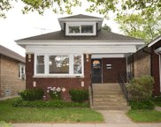 6241 North Campbell Avenue, Chicago image