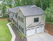 516 Pine Cir, Peachtree City image