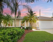 2327 Nw 184th Ter, Pembroke Pines image