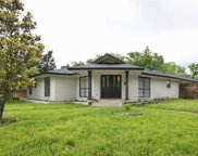 3517 Kiestcrest Drive, Dallas image