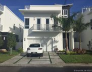 8329 Nw 34th Dr, Doral image