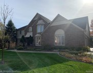2887 CURRENT, Rochester Hills image